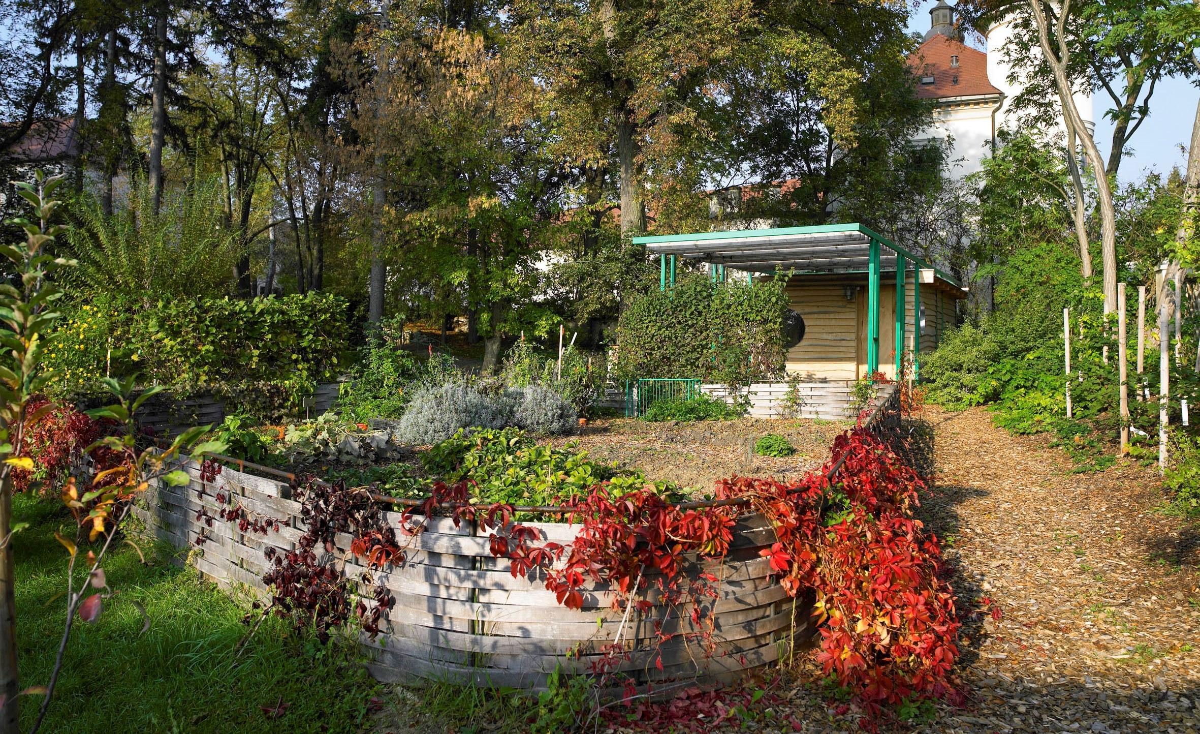 Therapiegarten schloss schiltern for Natur im garten